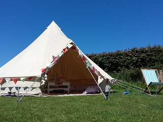 Devon Belles - Bell Tent Hire, furnished, nr Sidmouth, golf & the folk festival