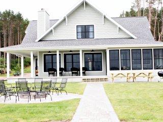 "5 bedroom executive lake home. ""Summer Breeze"""