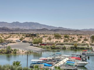 Lake Havasu Cabin w/Lake & Mtn. Views + Loft!