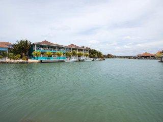 Lagoon Breeze Apartment - on the Ocean Breeze Bonaire resort