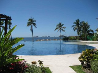 ** Beautiful Exclusive Paradise on the Beach Inexpensive!  - Ixtapa Amara **