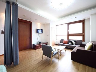 3 bedrooms, 2 bathrooms, 3 min Gangwha-mun/Jongno station