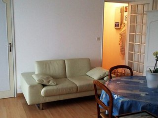 Apartment - 500 m from the beach