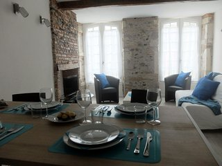 Apartment T2 3 *** charm - pedestrian area - in the center and quiet!