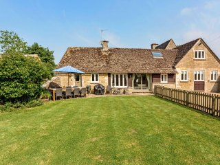Dancers Cottage, Southrop, Eastleach, Cotswolds