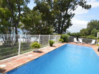 Beachfront villa protected private pool 4 bedrooms Marbella
