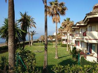 Primera línea de playa junto Marbella