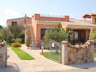Beautiful house with garden, located in the center of Budoni, 800 m from the sea