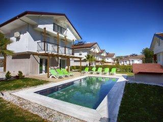 BRL412 Hisaronu Oludeniz Villa with private pool.