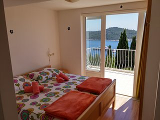 Charming studio apartment with beautiful panoramic sea view