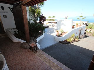 Finca La Puerta de Alcala is a privately owned and well maintained holiday finca