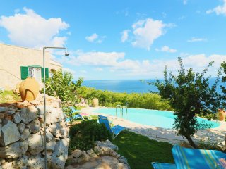 Holiday house in villa with pool and sea view in Santa Maria di Leuca