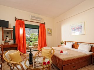 Limenas Hersonissou Apartment Sleeps 4 with Air Con and Free WiFi - 5677262