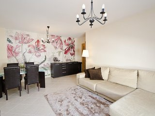Arge Apartment Sleeps 5 with Free WiFi - 5677234