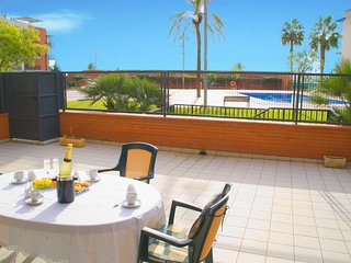 New. First line of sea and large terrace. Near Sitges. 2 pools, Air Conditioning