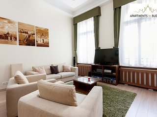 Budapest VI. kerulet Apartment Sleeps 5 with Air Con and WiFi - 5677523