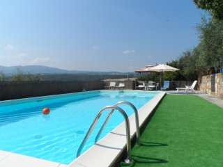Macciano Villa Sleeps 10 with Pool Air Con and Free WiFi - 5677377