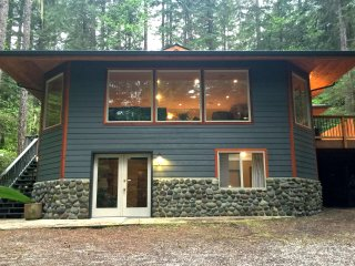 Snowline Cabin #29 - An Ultra Custom Family Vacation Home!