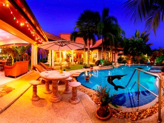 Relaxing Palm Pool Villa, Tropical Illuminated Garden Private Swimming Pool