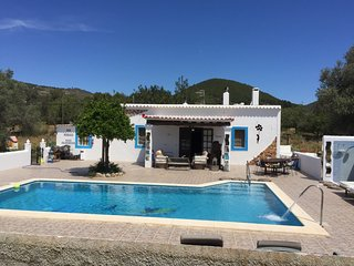 VILLA 5 double bedrooms. 3 bathrooms.2 Kitchens and big Swimming pool ibiza