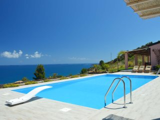 Villa delle Marine with private pool, breathtaking sea views