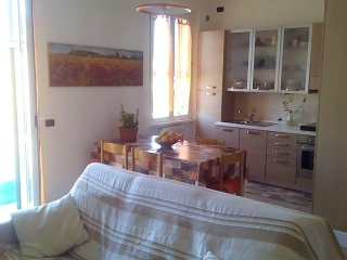 room for 3 in appartament Senigallia center