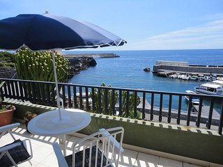 Stazzo Apartment Sleeps 7 with Air Con and Free WiFi - 5676941