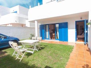 Apartamento con jardin a 100m de la Playa