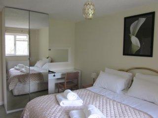 Begonia main bedroom
