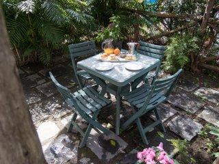 Appartmento Filomena, private terrace, center, sleeps 2, wifi, free parking