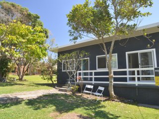 Tallowood - beachfront cottage
