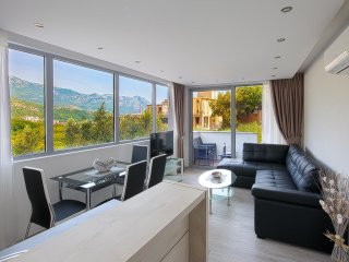 MonteLux Luxurious Apartment 6 with Sauna, Pool and Panorama view