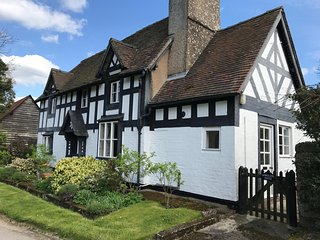 Grade ll listed Historic Tudor House