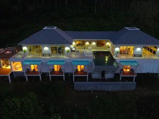 Xhale - Ideal for Couples and Families, Beautiful Pool and Beach