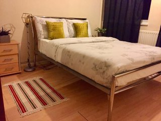 Bright Cosy Double Room In The Heart Of Chiswick
