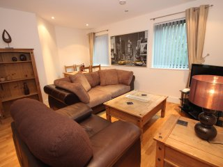Properties Unique - Merchants Quay Apartments (1 Bed)