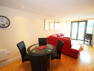 Properties Unique - Merchants Quay Apartments (2 Bed)
