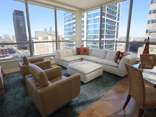 Luxurious Apartment In The Heart Of The City - Introductory Price