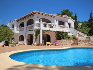 Casa Los Arcos, Pla Del Mar, Moraira - walking distance to town!