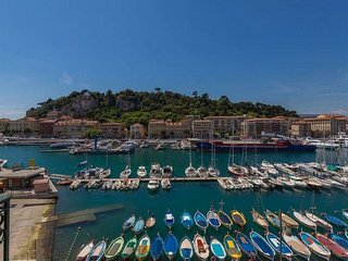 JdV Holidays Apartment Hortensia, for upto 4 people, great views over the port !