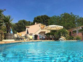Spacious flat near Aix w pool, WiFi