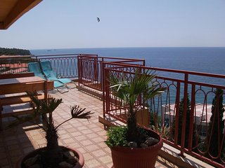 Aparment with sea view and a big teracce  (4 beds) in Sutomore in Montenegro