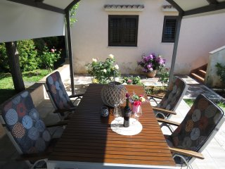 Apartment Vita- private parking, terrace and BBQ