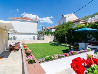 Apartment Bevanda - Three Bedroom Apartment with Terrace and Partial Sea View