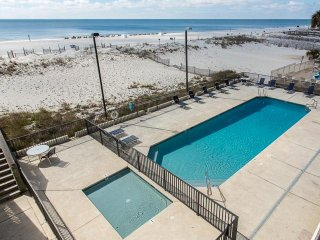 Island Winds West - 1 Bedroom 1 Bath Gulf Front