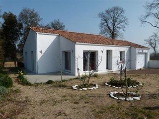 Maison avec jardin clos avec 3 chambres à 1,8 km de la plage de sables fins