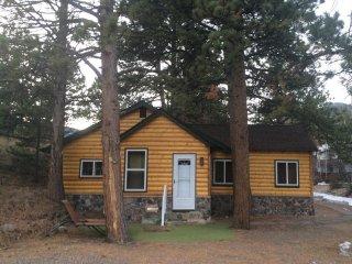 Great River Cabin, Mountain Views, Hot Tub, 3 Bdr/2Bath!!!!
