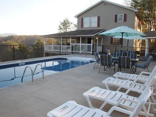 Private Heated Pool with Breathtaking Views! 4 B/R, 4 BATH