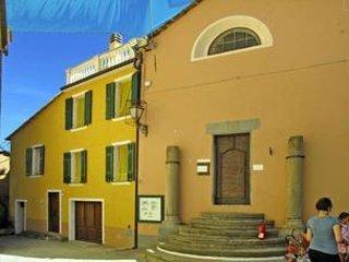 Casa vacanze a Valloria il paese delle porte dipinte