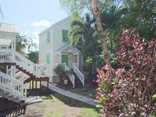 Mid Town Key West hideaway Vacation Rental